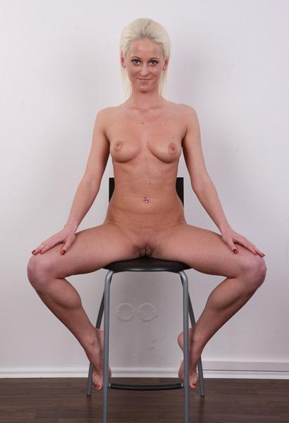 eva-posing-naked